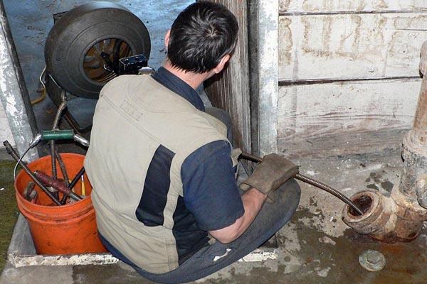 Прочистка труб канализации